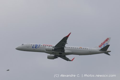 Photo avion EC-KXD : Embraer 190 195 de la compagie Air Europa (Paris Orly (LFPO))