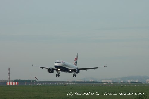 Photo avion G-EUOG : Airbus A319 de la compagie British Airways (Paris Charles de Gaulle (LFPG))