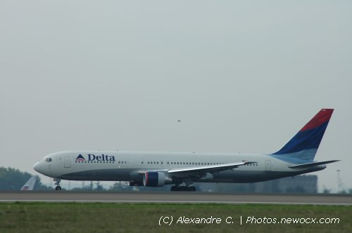 Photo avion N-1200K : Boeing 767 de la compagie Delta Airlines (Paris Charles de Gaulle (LFPG))