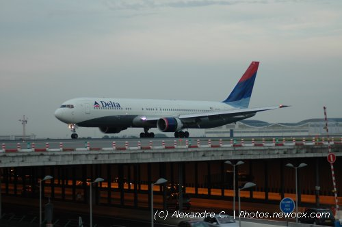 Photo avion N-174DN : Boeing 767 de la compagie Delta Airlines (Paris Charles de Gaulle (LFPG))