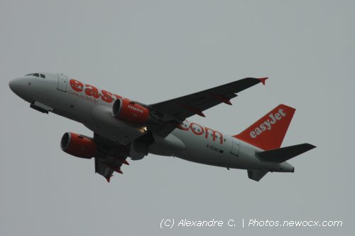 Photo avion G-EZAE : Airbus A319 de la compagie Easyjet (Paris Orly (LFPO))