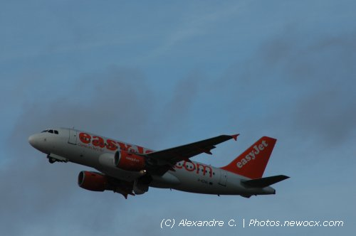 Photo avion G-EZAL : Airbus A319 de la compagie Easyjet (Paris Orly (LFPO))