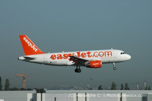 Photo avion G-EZAS : Airbus A319 de la compagie Easyjet (Paris Orly (LFPO))
