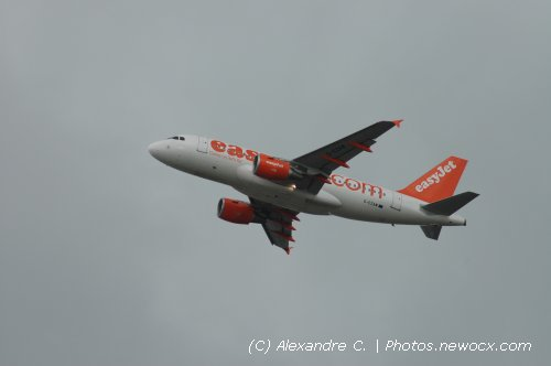 Photo avion G-EZAW : Airbus A319 de la compagie Easyjet (Paris Orly (LFPO))