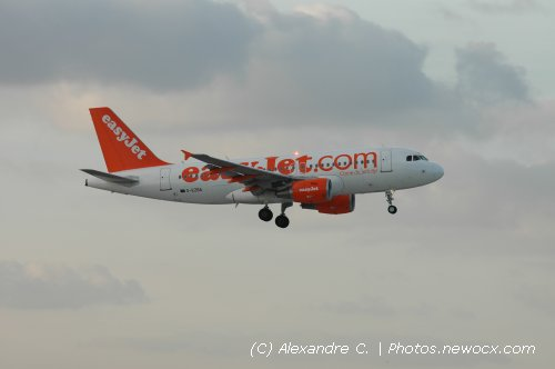 Photo avion G-EZBA : Airbus A319 de la compagie Easyjet (Paris Orly (LFPO))