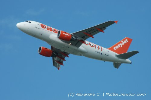 Photo avion G-EZEA : Airbus A319 de la compagie Easyjet (Paris Orly (LFPO))