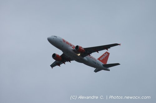 Photo avion G-EZEC : Airbus A319 de la compagie Easyjet (Paris Orly (LFPO))