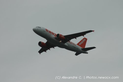 Photo avion G-EZEO : Airbus A319 de la compagie Easyjet (Paris Orly (LFPO))