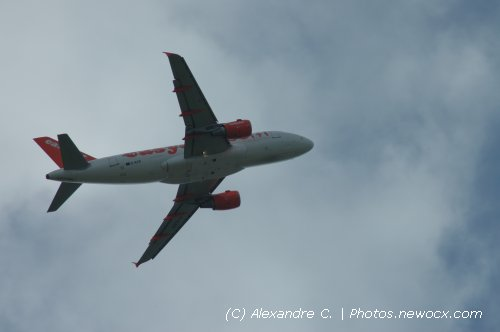Photo avion G-EZIF : Airbus A319 de la compagie Easyjet (Paris Orly (LFPO))
