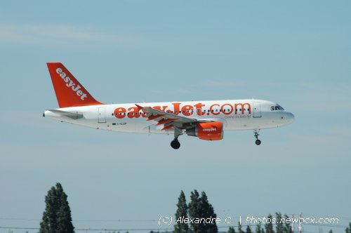 Photo avion G-EZIP : Airbus A319 de la compagie Easyjet (Paris Orly (LFPO))