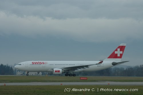 Photo avion HB-IQP : Airbus A330 de la compagie Swiss International Airlines (Geneva Geneve-Cointrin (LSGG))