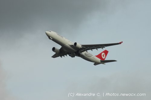 Photo avion TC-JNB : Airbus A330 de la compagie Turkish Airlines (Paris Orly (LFPO))