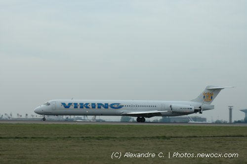 Photo avion SE-RED : McDonnell Douglas MD80 90 de la compagie Viking Airlines (Paris Charles de Gaulle (LFPG))