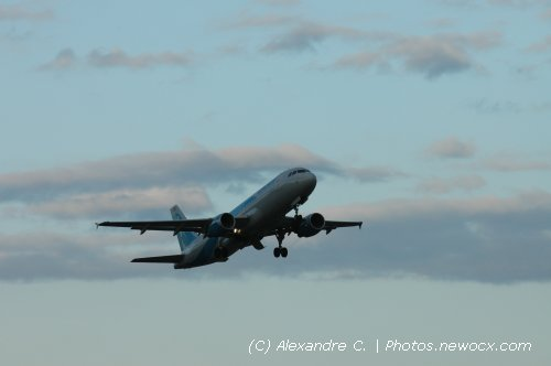 Photo avion EC-KJD : Airbus A320 de la compagie Clickair (Paris Orly (LFPO))