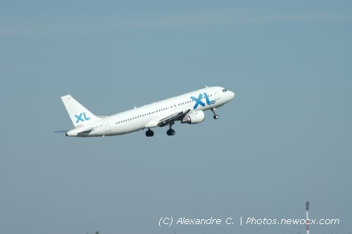 Photo avion YL-LCE : Airbus A320 de la compagie XL Airways (Paris Charles de Gaulle (LFPG))